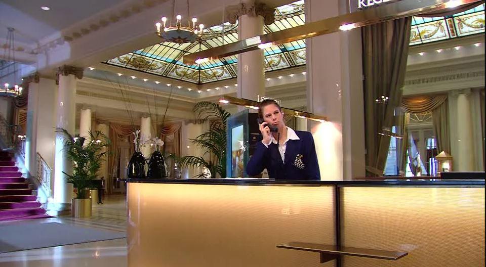 Rcepcionista hotel-I