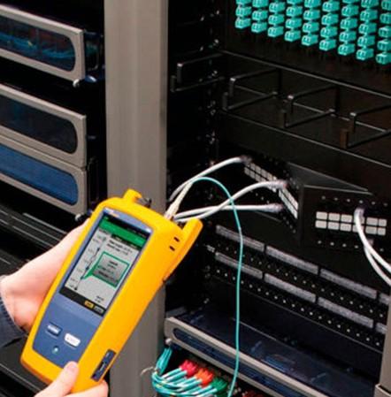 Existe una normativa que contempla los requisitos y rangos de funcionamientos de los diferentes estándares de cableado de datos (EIA/TIA 568A/B entre algunas normas),